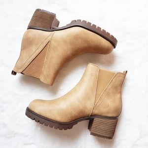 SOLD! MIA boots